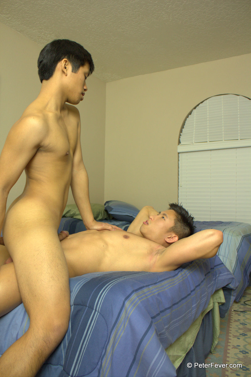 PeterFever Asiancy S4E2 Big Muscle Asian Fucking Asian Twink With Big Asian Cock 13 Amateur Gay Asians:  Big Muscle Asian Top Fucking an Asian Twink Bottom